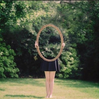 ART-PHOTO-MIROIR-REFLET-Laura-Williams
